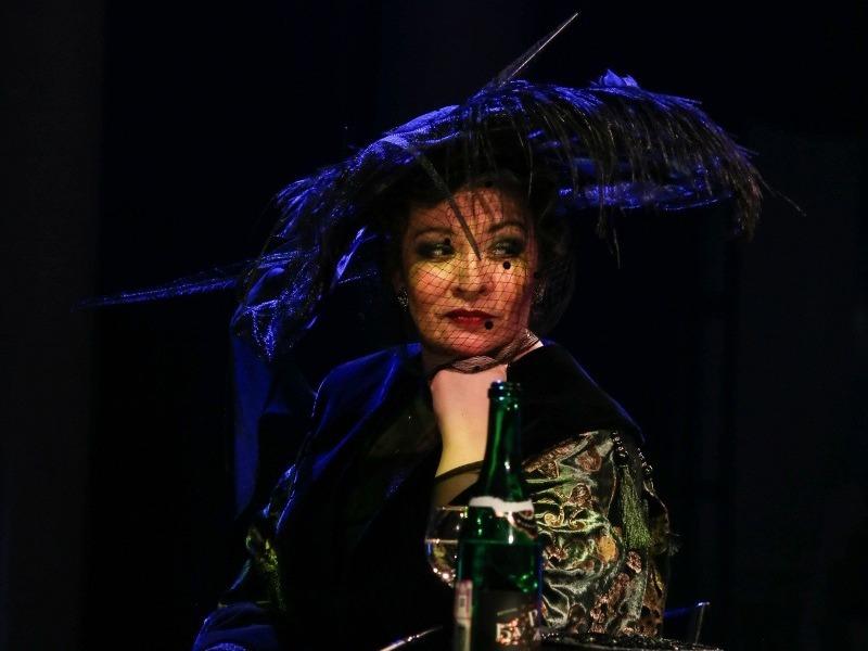 Ксения Вязникова в балете с пением «Семь смертных грехов»