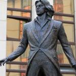 В Красноярске установили памятник прославленному оперному певцу Дмитрию Хворостовскому