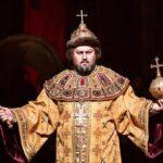 Юлия Меннибаева и Артем Гарнов в опере М. П. Мусоргского «Борис Годунов»