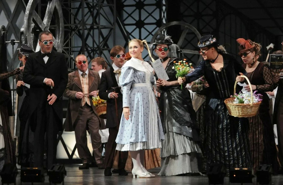 Дарья Терехова и Евгений Либерман в опере «Сказки Гофмана»